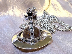 Vivienne Westwood NEW SMALL ORB PENDANT入荷
